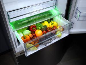 Bekos HarvestFresh-Technologie simuliert den Tageslichtzyklus, um ein natürliches Umfeld für Obst und Gemüse zu schaffen.
