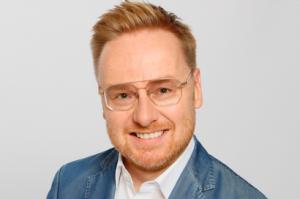 Thomas Schnaudt startete seine Laufbahn 2006 bei der HARMAN Deutschland GmbH, die ihn auf internationale Ebene und nun auch an die Spitze des DACH-MArketings geführt hat.