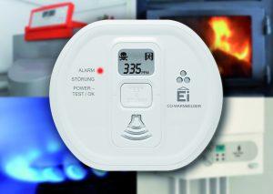 """Leistungsfähige Kohlenmonoxidwarnmelder mit LCD-Display zeigen den CO-Wert in ppm sowie Handlungsempfehlungen wie """"Lüften"""" oder """"Raum verlassen"""" an."""