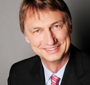 Henrik Köhler (im Bild) verlässt TP Vision – das Unternehmen hinter Philips TV – mit Jahresende auf eigenen Wunsch. Im folgt der 43jJährige Murat Yatkin. (Foto: TP Vision, Philips)