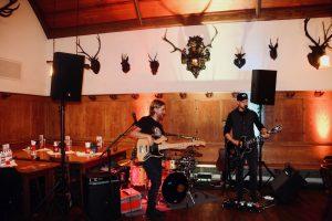 Passend zum Event verwendete sogar die Live-Band Equipment von Audac.