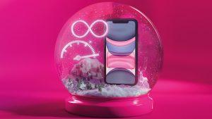 Kunden, die sich in der Weihnachtszeit für einen Smartphone-Tarif von Magenta anmelden, beschert der Betreiber ein besonderes Weihnachtsgeschenk: Bis Ende März 2020 erhalten die Kunden in den Tarifen Mobile S (10 GB), Mobile M (20 GB), Mobile L (30 GB) unlimitiertes Datenvolumen. Zusätzlich wird die Übertragungs- geschwindigkeit erhöht.