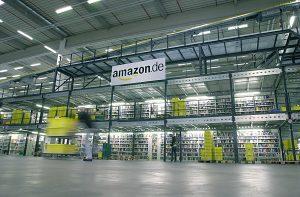 Die Geschwindigkeit bei der Auslieferung wird in den US-Logistikzentren von Amazon auf Kosten der Mitarbeiter erkauft. Das zeigt ein Bericht des US-Recherchenetzwerks CIR.