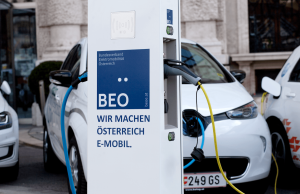 Der BEÖ fordert in seinem 5-Punkte-Programm u.a. den Ausbau der privaten Ladeinfrastruktur, den Wegfall der Umsatzsteuer bei Neukauf sowie eine Erleichterung beim grenzüberschreitenden Laden.