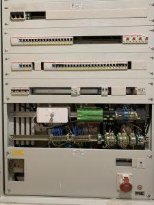Das Koppelmodul Ei414 bildet mit seinen potentialfreien Kontakten die Schnittstelle zur Gebäudeautomation.