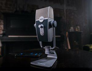 Das Ultra-HD-Mikrofon AKG Lyra besticht mit lässiger Retrooptik, umfassender Kompatibilität und vier Aufnahmemodi.