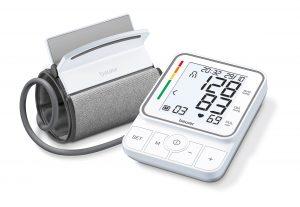 """Beurer bringt mit dem BM 51 easyClip ein neues Oberarm-Blutdruckmessgerät auf den Markt. """"Dieses punktet mit innovativer Manschette und besonders einfacher Handhabung"""", wie das Unternehmen sagt. (Foto: Beurer)"""