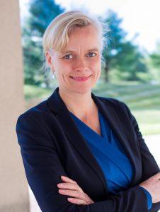 Carla Kriwet, derzeit Mitglied des Vorstands und Leiterin des Geschäftsbereichs Connected Care bei Royal Philips, soll zum 1. Juli 2020 als Vorsitzende der Geschäftsführung der BSH Hausgeräte GmbH übernehmen.