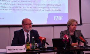 Prof. Dr. Alexander Lerchl, Biologe an der Jacobs Universität Bremen, und FMK-GF Margit Kropik bei der 5G-Pressekonferenz.