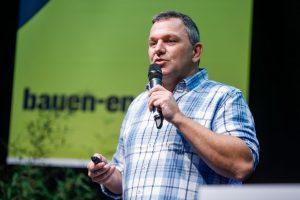 Der aus dem Fernsehen bekannte Bausachverständige Günther Nussbaum hat sein Kommen bei der Bauen & Energie bereits angekündigt.
