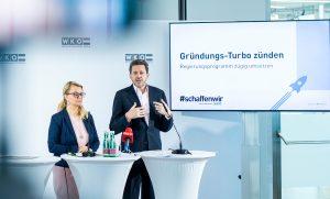WKÖ-Präsident Harald Mahrer und JW-Bundesvorsitzende Christiane Holzinger präsentieren die Gründerzahlen für 2019.