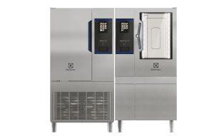 Das ausgezeichnete Skyline Duo von Electrolux Professional für Cook&Chill: Heißluftdämpfer SkyLine PremiumS und Schockkühler/Froster SkyLine ChillS. (Bild: Electrolux Professional)