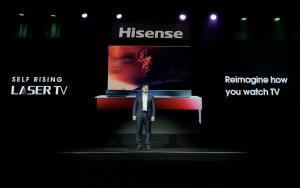 Der Self-Rising Screen Laser TV zählte zu den Highlights unter den CES-Neuheiten von Hisense.