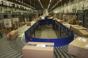 Derzeit müssen sich Online-Händler aus Fernost kaum um die Umsatzsteuer in Österreich kümmern, was eine wahre Paketflut zur Folge hat. Mit einer Marktplatzhaftung könnte diese Benachteiligung des österreichischen Handels wirksam bekämpft werden, ist der Handelsverband überzeugt.