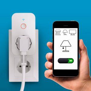Mit der smarten WiFi-Steckdose bietet Hama ein Produkt für den Einstieg ins vernetzte Wohnen.