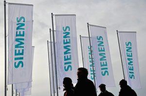 Die Siemens AG sieht sich nach heftiger Kritik durch Klimaschützer derzeit einem PR-Desaster gegenüber. Ein Boycott der Endkunden könnte allerdings den Falschen treffen - die BSH Hausgeräte GmbH, sei 2015 zu 100% im Besitz der Bosch-Gruppe.