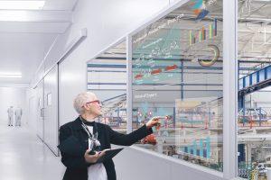 Zu den Stärken des transparenten Displays zählen auch beeindruckende AR-Möglichkeiten.