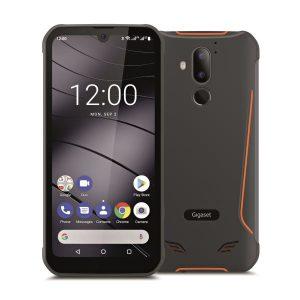 """""""Mit seinem unverwüstlichen Gehäuse, dem 6,1 Zoll großen HD+ Display mit Gorilla Glas und einem außergewöhnlich leistungsfähigen 6.200 mAh Akku mit Fast Wireless Charging ist das GX290 Smartphone der perfekte Begleiter für jedes Abenteuer"""", sagt Gigaset."""