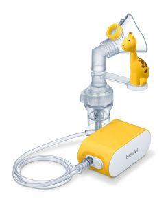 Zu den Beurer Inhalator-Modellen IH 26 Kids und IH 58 Kids gibt es eine süße Giraffe zum Aufstecken, die das Kind während der Behandlung spielerisch ablenken soll.