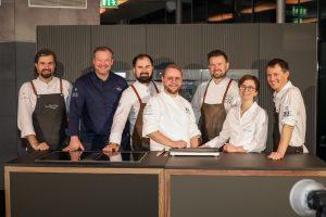 Mit der Markteinführung des Dialoggarers 2018 hat Miele das Kochen revolutioniert. Sieben Spitzenköche der Jeunes Restaurateurs haben mit und für den Dialoggarer ein spezielles Gericht kreiert.