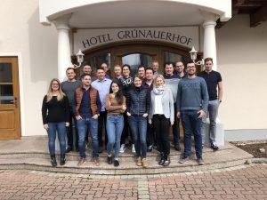 Gruppenfoto mit den Expert Unternehmern- innen und Trainer Gerald Geretschläger