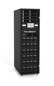 Der MPX Combo CBC 100X bietet Platz für max. 4 USV-Module und 6 integrierte Batterieeinschübe.