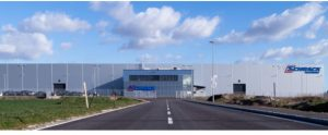 Das Logistikzentrum von Schrack ist gut bestückt und liefert die Ware wie gewohnt aus.