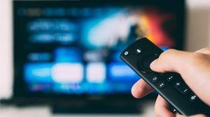 269 Nutzungsminuten pro Tag: Menschen verbringen derzeit fast viereinhalb Stunden täglich mit seriöser Information und Unterhaltung im Fernsehen.