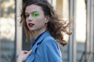Für seine Echtzeit-Tracking-Technologie hat Sony den begehrte Best Photo Innovation-Award erhalten. Der Echtzeit-Augen-Autofokus für Menschen und Tiere sorgt dafür, dass die Kamera automatisch die Augen eines Motivs anvisiert, wenn sie im Bild sichtbar sind.