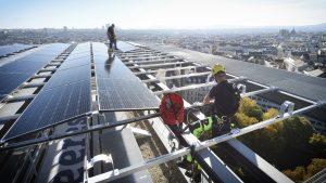 Die Novelle der Wiener Bauordnung sieht in Zukunft eine PV-Verpflichtung vor.
