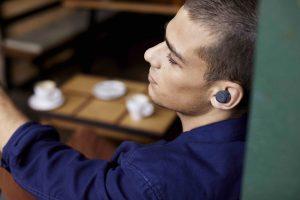Jeder Zweite hat zwar die Stöpsel im Ohr, aber gar keine Musik laufen – eine von mehreren bemerkenswerten Erkenntnissen der jüngsten JBL-Studie.