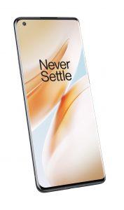 Der Bildschirm des OnePlus 8 Pro verfügt über eine 120 Hertz Bildwiederholrate.