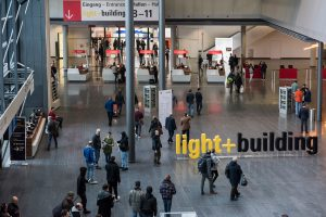 Wenig überraschend fällt auch die – bereits von März auf September verschobene – Light + Building heuer komplett aus.