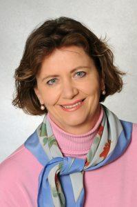 Spartenobfrau Renate Scheichelbauer-Schuster fordert starke Impulse für das Gewerbe und Handwerk und erachtet ein Unterstützungspaket für Österreichs größte Arbeitgebersparte als dringend nötig.