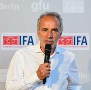 Mit 1. August 2020 legt Hans-Joachim Kamp (72) den Vorsitz des Aufsichtsrats der gfu Consumer & Home Electronics GmbH nieder und scheidet zudem auf eigenen Wunsch aus dem Aufsichtsrat aus.