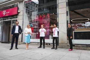 Zum Start der neuen Lehrlingsausbildung konnte Magenta Telekom auch Wirtschaftsministerin Margarete Schramböck im Shop in der Rotenturmstraße begrüßen.