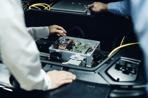 In einem gemeinsamen Forschungsprojekt wollen Hager und Audi die Einsatzmöglichkeiten und das Potenzial von V2H ausloten.