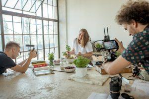In einer sechsteiligen Serie kocht die österreichische Foodbloggerin Mara Hohle mit elektrabregenz-Geräten.