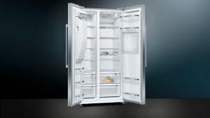 Die iQ500 Side-by-Side Kühl-Gefrierkombination KA93GAIEP ist ein Raumwunder in Edelstahl und trifft das neue Bedürfnis zu Lagerung und Vorratshaltung von Lebensmitteln.