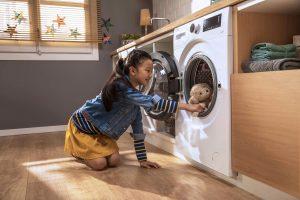 Fünf Modelle – drie Waschmaschinen und zwei Waschtrockner – mit Dampffunktion Steam hat Beko vorgestellt. Dank smarter Steuerung über die App HomeWhiz stehen auch Zusatzprogramme für z.B. das Waschen und Trocknen von Stofftieren zur Verfügung.