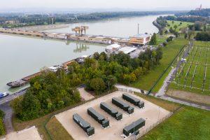 Beim Donaukraftwerk Wallsee-Mitterkirchen ging vor kurzem eine Großbatterie mit 8 MW Primärregelleistung in Betrieb.