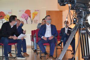 Der Red Zac Aufsichtsrat sah bei der Eröffnung - unter Einhaltung aller corona-bedingten Maßnahmen - zu.