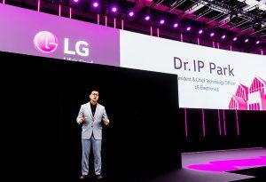 LG-CTO I.P. Park war auf der IFA in Berlin als Hologramm präsent.