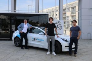 Drei CCO Rudolf Schrefl, ELOOP CEO Nico Prugger und ELOOP COO Maximilian Schalkhammer bei der Präsentation der Kooperation zwischen Netzbetreiber und Mobilitäts Start-up.