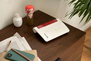 Die kompakte FRITZ!Box 7530 AX ist für alle DSL-Anschlüsse geeignet und mit Wi-Fi 6, Supervectoring 35b, WLAN Mesh, Smart Home-Features uvm ausgestattet.