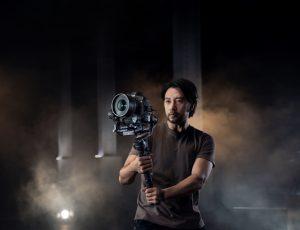 DJI bringt neues Equipment für ambitionierte Filmemacher: den Gimbal RS 2,…