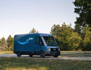 Amazon stellt sein erstes elektrisches Lieferfahrzeug vor.