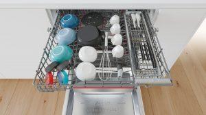 Die neue Generation der Bosch PerfectDry Geschirrspüler wartet u.a. mit einer zusätzlichen Korb auf, um die Stellfläche für Kleinteil und Tassen um 25% zu vergrößern und verfügt zudem noch über die Extra Clean Zone.