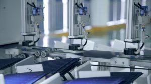 Auch Sunrise Energy wird neben den Herstellern JA Solar, JinkoSolar und LONGi im nächsten Jahr auf die Produktion von Modulen mit 182 mm Wafern setzen. Industrieweit sind damit die weichen zu größeren Modulen gestellt. Suntastic.Solar bringt die Module im ersten Quartal 2021 nach Österreich.