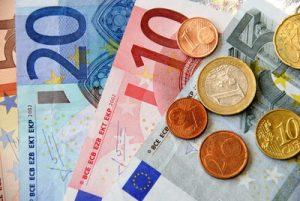 Die Sozialpartner im Handel haben sich auf einen neuen Kollektivvertrag für Handelsarbeiter geeinigt, der einen Lohnanstieg von 1,5 Prozent vorsieht. (Bild: Paulwip/ pixelio.de)